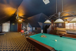 Westlake-house-pooltable2